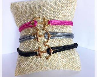 Gold anchor bracelet