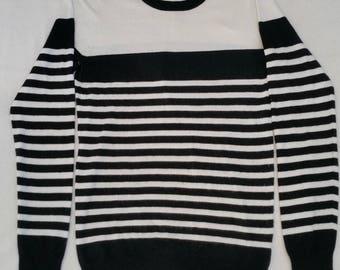 Layering Knit / Black & White Stripes / M – L