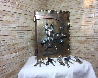 Key holder, key holder for wall, key hanger metal, key rack forged, key hooks, key chain, key organizer, key case, forged keys, key stand