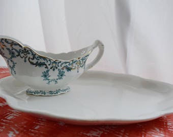 Vintage Entertaining Platter Set (Includes Platter and Gravy Boat)