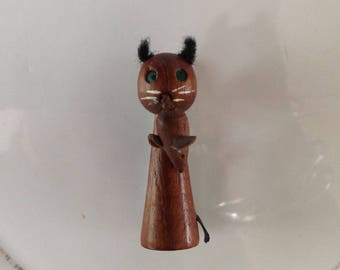 Vintage wooden cat and mouse brooch 1970s
