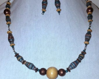 Paper Bead Necklace Set