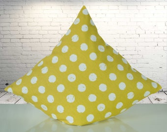 Saffron yellow Cushion cover with white dots, 40 x 40 cm