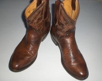 Black leather ankle boots Brown Leather Embroidered Tiag made in Mexico in excellent condition Old Gringo P 37