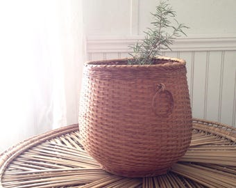 Large Woven Wicker Planter/Basket with Decorative Handles