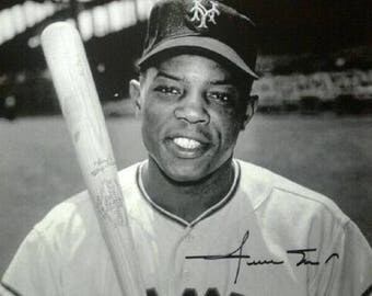 WILLIE MAYS Autographed 8X10 B&W Photo W/COA The Scoreboard