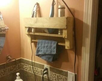 Towel bar shelf