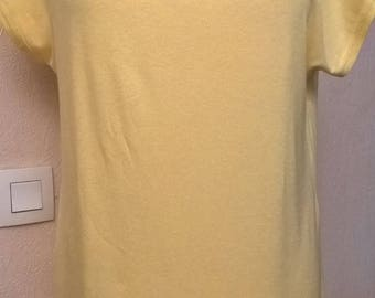 Shirt short sleeves made of viscose and elastane yellow