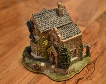 Lilliput Lane Collectible-Rosemary Cottage