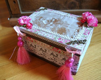Box old pink lace