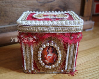 Small lace metal box in a royal spirit