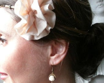 Color nude/bronze wedding earrings, romantic and chic, retro pierced earrings