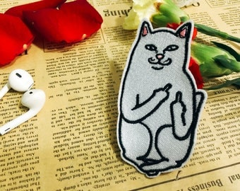 White cat give the finger patch/iron on patch/embroidered patch/cute animal patch/cartoon patch/DIY