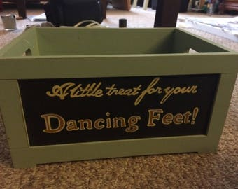Flip-Flop Crate for Wedding Guests