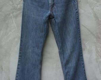 Vintage 70s fashion Levi's jeans Blue jeans Boot cut Jeans  for women , Lady size :  S