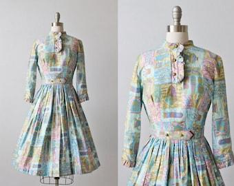 Vintage 1950s Dress / 50s Dress / Novelty Print / Cotton Dress / Gathered Skirt