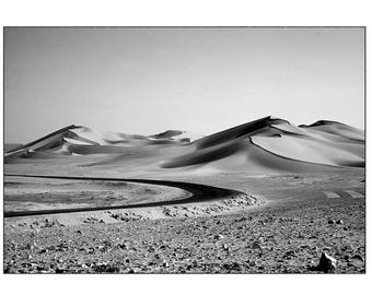 "fine art black and white 30 x 45 cm numbered and signed ""desert road"""