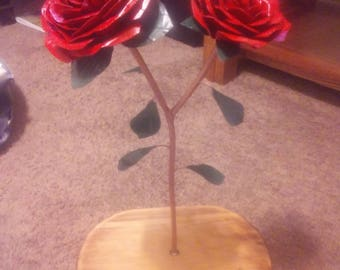 Metal two rose blooms