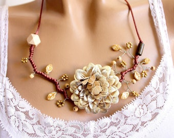 Faux leather Flower necklace color and beige beads