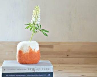 Minimal Vase with Glass Test Tube Flower Vase Modern Art Home Decor: Table Centerpiece, Geometric Pot, Felt bowl by Felt Interior Design
