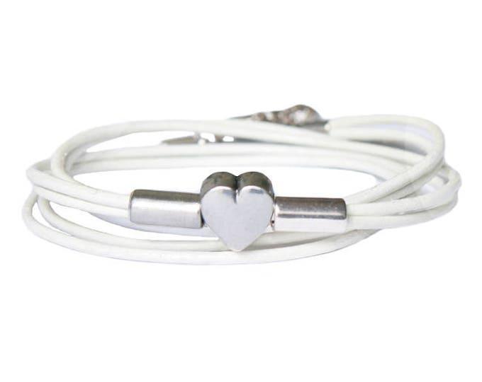 Free shipping within NL bracelet leather heart wrap bracelet Adjustable bracelet