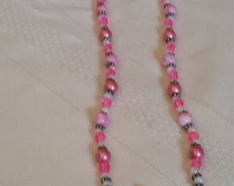 Pink and white beaded necklace. Buy more than 1 item save on shipping