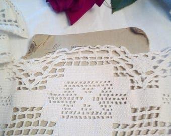 White antique bobbin lace