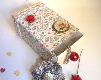 gift box with silver hook necklace