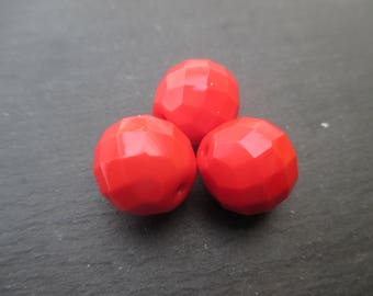 Faceted Bohemian 14 mm: 4 beads red coral