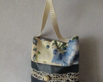 The cat fun shoulder bag Green tree/floral blue and ecru