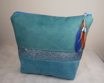 Waterproof make-up ombre turquoise and green suede and band of sequins