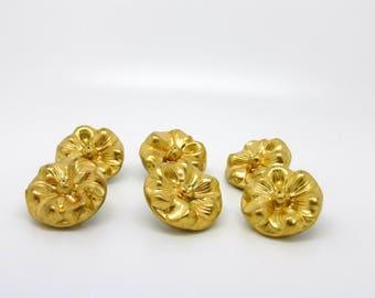 Round, vintage button, gold, flower relief