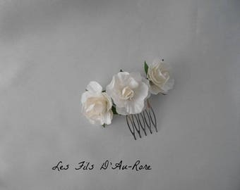 Comb with 3 White Roses