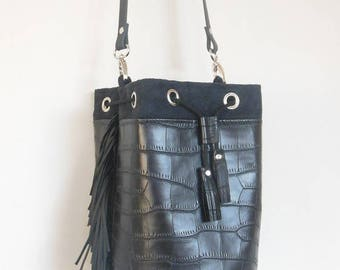 BAG bucket black with black fringe