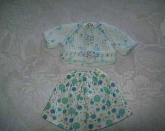 clothes for dolls 32 33 cm, with babies (skirt and vest or sweater).