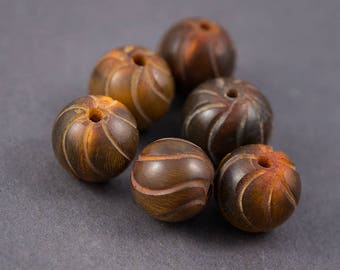 Set of 6 pcs - round beads streaked • natural Horn • ochre Brown 20mm