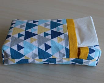 Pocket squares - triangle pattern case