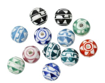 4 large ceramic round beads triangles pattern - 14 mm -