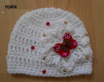 baby hat in white wool with red felt Butterfly