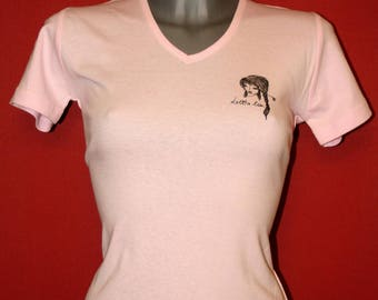 Light pink v-neck t-shirt