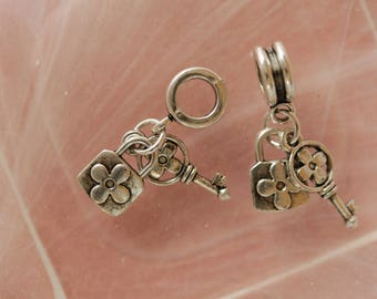 Perle Charm key lock charm