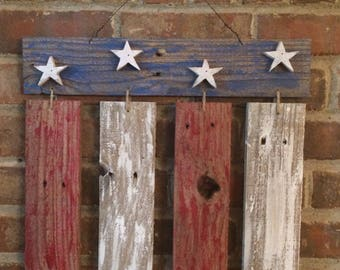 pallet wood flag. pallet wood American flag. Wooden flag. Wooden American flag. Rustic American flag. American flag.
