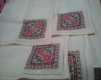 Set of 4 Vintage Napkins
