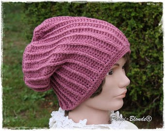 Crochet slouchy Beanie, oldest rose, made by hand.