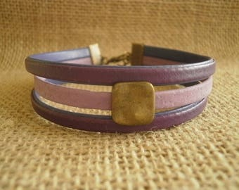 Leather Bracelet, violet and purple, square, bead size 19.5 cm