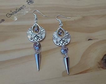 Pair of ethnic earrings, Pearl brown/white