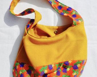 Vintage shoulder bag!