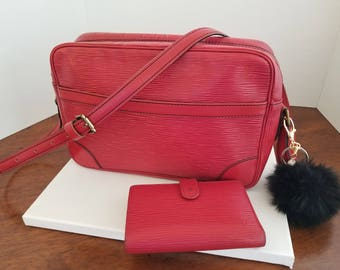 Louis Vuitton Trocadero 27 Crossbody Shoulder Bag and Bifold Wallet in Red Epi Leather