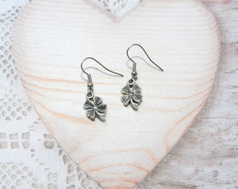 Pair of earrings dangle 4 leaf clover, happiness