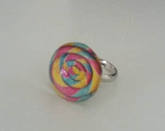 Glass multicolored spiral pattern ring